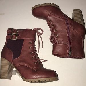 Burgundy laced up ankled boots